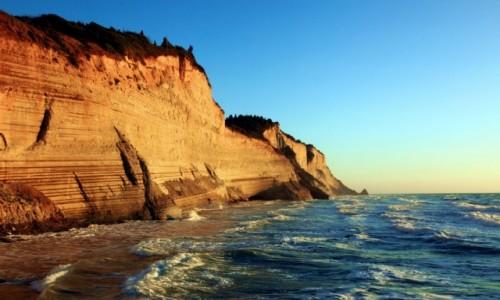 Zdjecie GRECJA / Korfu / Logas Beach / S�oneczne klify