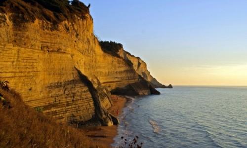 Zdjecie GRECJA / Korfu / Klify w Peroulades / Korfu, Klify w