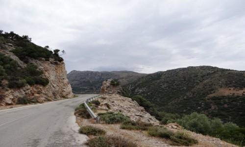 GRECJA / Kreta / gdzieś w górach / Droga przez góry.