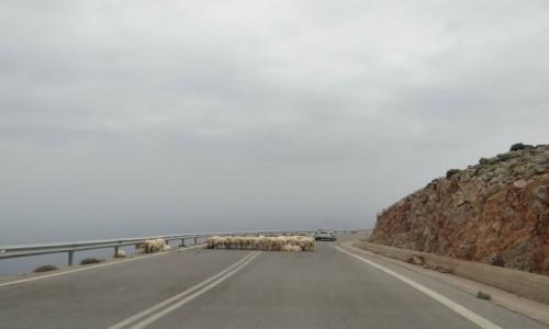 GRECJA / Kreta / w górach / Droga przez góry.