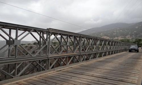 GRECJA / Kreta / Aradena / Most nad wąwozem Aradena.
