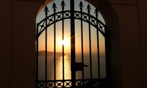 Zdjecie GRECJA / Santorini / Fira / Brama do raju :