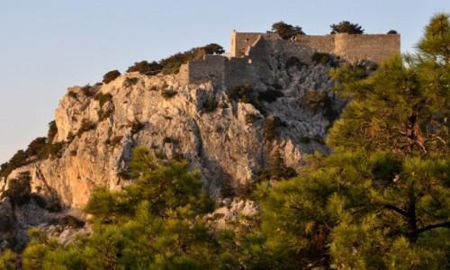 GRECJA / Rodos / zachodnie wybrzeże / Zamek w Monolithos