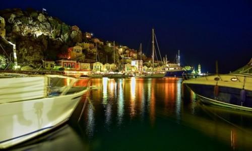 GRECJA / Dodekanez / Symi / Symi nocą