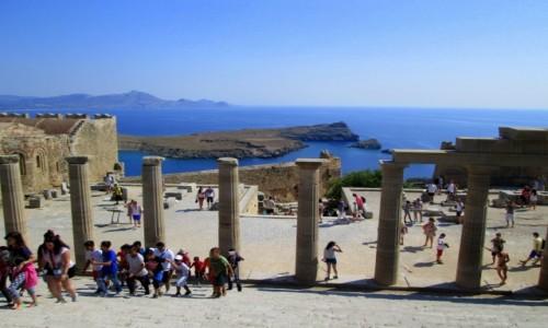 GRECJA / Rodos / Lindos / Ruch na Akropolu