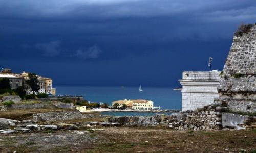 Zdjecie GRECJA / Korfu miasto / Korfu wyspa / Nadciąga armagedon