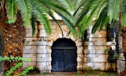 Zdjecie GRECJA / xxx / Wyspa Korfu / Bajkowa brama