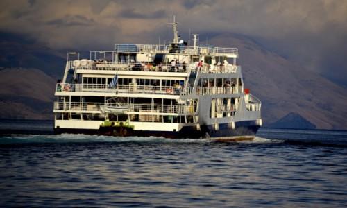 Zdjęcie GRECJA / xxx / Korfu / Prom płynący do Albanii