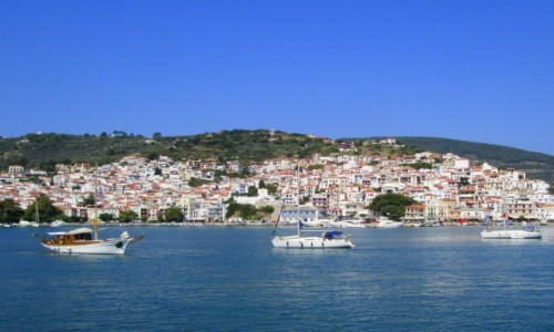 GRECJA / Sporady Północne / Skopelos / Skopelos - widok z morza