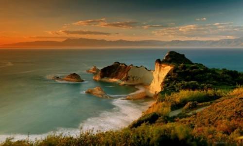 GRECJA / Wyspy Jońskie-Korfu / Cape Drastis /  Cape Drastis i klify