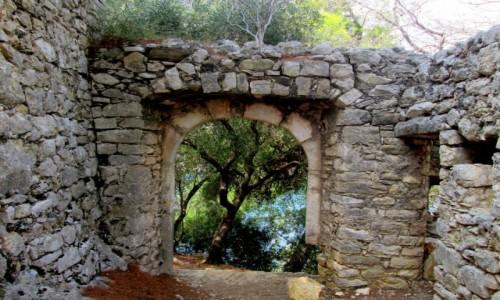 Zdjecie GRECJA / Epir / okolice Pargi / W ruinie