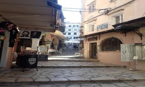 GRECJA / Korfu / Korfu - miasto / Uliczki starego miasta w Korfu
