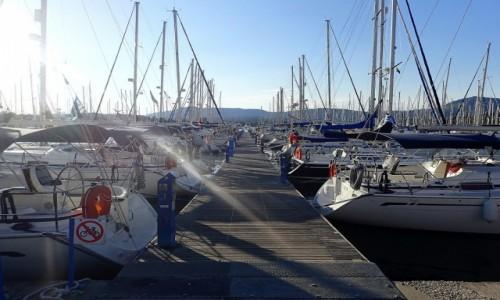 GRECJA / Korfu / Port w Korfu / Jachty w porcie - Korfu