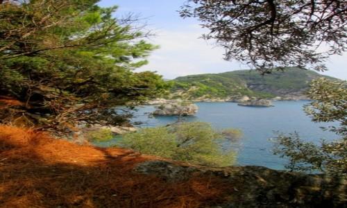 Zdjęcie GRECJA / Epir / Parga / Widok z wysepki na formacje skalne
