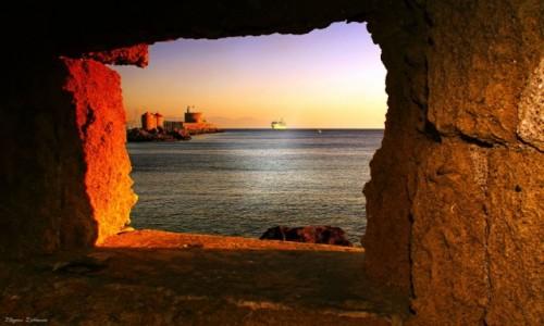 Zdjęcie GRECJA / Rodos / Port w Mandraki / Poranek w porcie