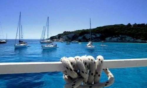Zdjecie GRECJA / Morze Jońskie /  Antipaxos / Niebiesko mi...