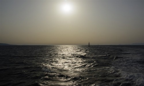 GRECJA / RODOS / u wybrzeży Rodos / na miedzianym morzu