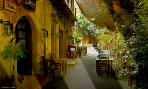 Zdjęcie GRECJA / Rodos / Rodos / Tawerna  w małej uliczce