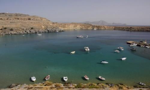 Zdjęcie GRECJA / Rodos / zatoka w Lindos / łódeczki