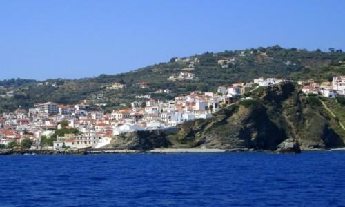 Zdjęcie GRECJA / Sporady Północne / Skopelos / Domki rozrzucone jak klocki
