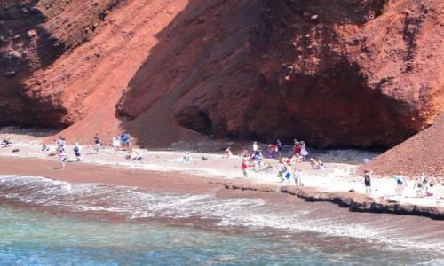 Zdjecie GRECJA / Cyklady, Santorini / Akrotiri / Plaża pod czerwoną skałą