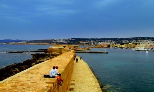 Zdjęcie GRECJA / Kreta / Chania / Widok na groblę i miasto