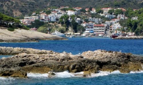 Zdjecie GRECJA / Sporady Północne / Alonissos / ^Za zakrętem port