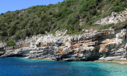 Zdjecie GRECJA / Wyspy Jońskie / Antipaxos / Kremowo-żółte klify