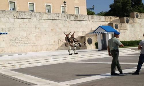 Zdjecie GRECJA / Ateny / Ateny / Odwiedziny pod parlamentem w Grecji