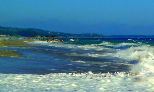 GRECJA / Epir / okolice Prevezy / Wkurzone morze