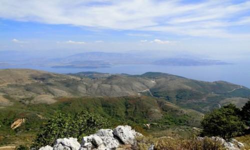 GRECJA / Wyspy Jońskie / Korfu / Jadąc na Pantokrator...