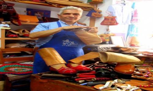 Zdjecie GRECJA / Karpathos / Olympos / Karpathoskie buty na całe życie