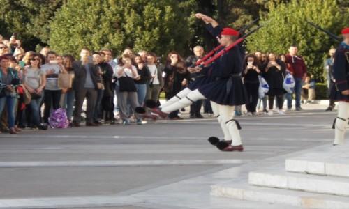 GRECJA / Ateny / Plac Syntagma / Plac Konstytucji - zmiana warty