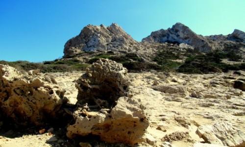 Zdjecie GRECJA / Karpathos / Arkasa / Skały w pasie brzegowym