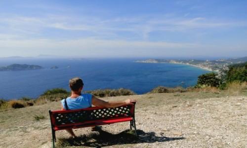 Zdjecie GRECJA / Wyspy Jońskie - Korfu / Afionas / Ławeczka z widokiem :)