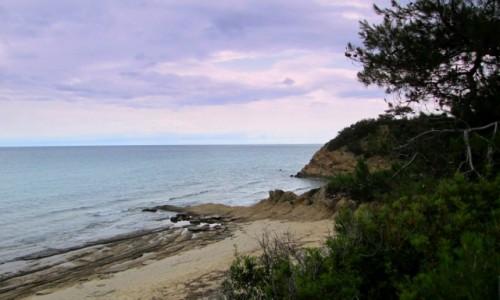 GRECJA / Thassos / okolice Limenarii / Dzika plaża
