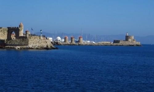 GRECJA / Archipelag Dodekanez / Wyspa Rodos - Rodos / port Mandraki - wiatraki