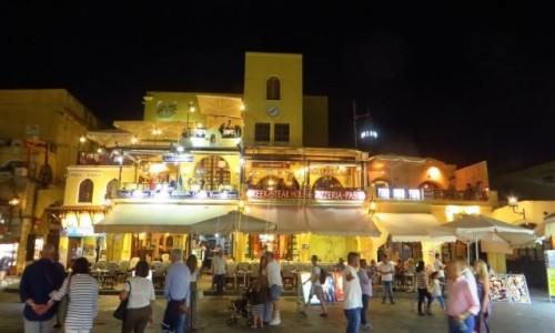 Zdjecie GRECJA / Archipelag Dodekanez / Wyspa Rodos - Rodos / stare miasto po zmroku