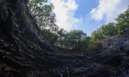 Zdjecie GRECJA / Wyspy Jońskie - Kafalonia / okolice Sami / wlot Jaskini Melissani