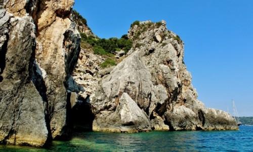GRECJA / Korfu / Paleokastritsa / Zatoka Paleokastritsa