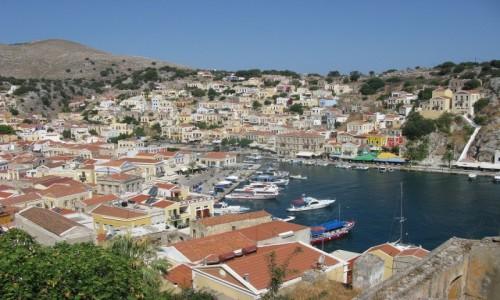 GRECJA / Wyspa Simi / Grecka wyspa Simi / Simi -Gialos z góry