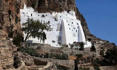 Zdjecie GRECJA / Cyklady / Wyspa Amorgos / Hozoviotissa - klasztor na stromych klifach Amorgos