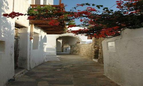 Zdjęcie GRECJA / Cyklady / Naxos / kwiecista uliczka