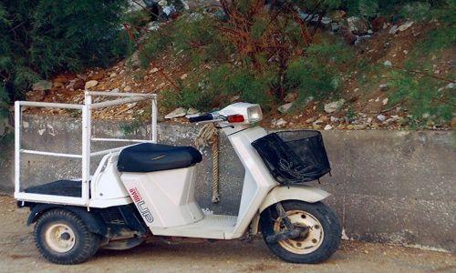 Zdjecie GRECJA / brak / Thassos / motoryzacja na wyspie 3