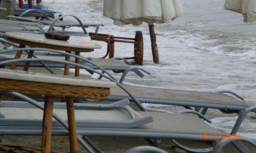 Zdjecie GRECJA / Wyspa Thassos / Plaża w Potos / po sztormie