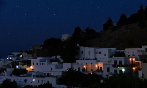 Zdjęcie GRECJA / Dodekanez / Rodos / Lindos nocą