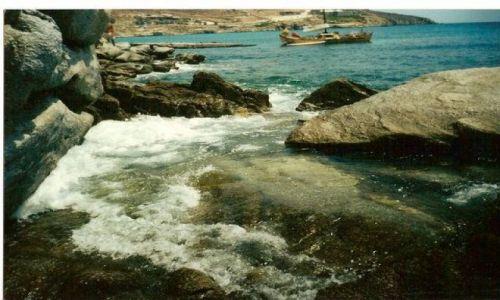 Zdjecie GRECJA / Mykonos / dzika plaza obok modnej plazy Paradise / plaza