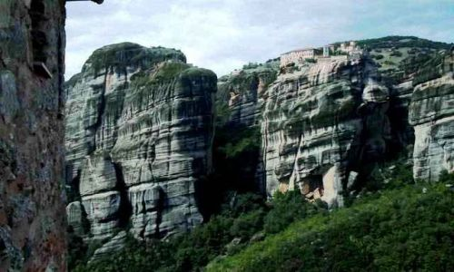 Zdjecie GRECJA / Meteory / Wiele tysięcy skał niskich i wysokich układa się w tajemniczą całość.  / Meteory-podziw i zaduma...