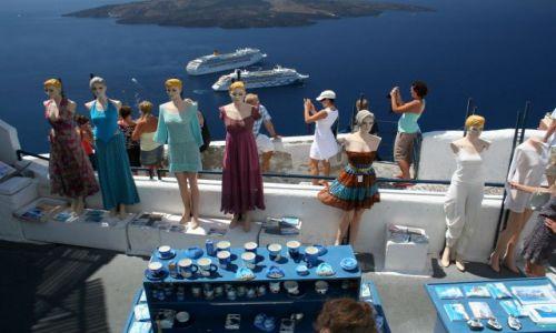 Zdjęcie GRECJA / Cyklady, Santorini / Fira / Turystki :-)