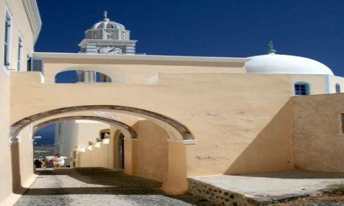 Zdjęcie GRECJA / Cyklady, Santorini / Fira / Uliczka na wprost